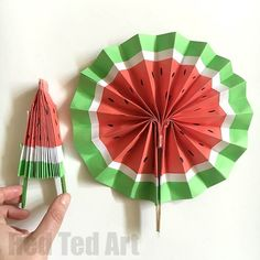 DIY Paper Fans - love this Melon Fan version, so cute! Great paper toy for kids. Great for popping in our pocket too. Make them plain paper, scrapbook paper or create your own funky designs. Wonderful Wedding Favours or crafts for kids for summer. Easy Arts And Crafts, Paper Crafts For Kids, Preschool Crafts, Diy Craft Projects, Sewing Projects For Kids, Craft Ideas, Diy Crafts, Watermelon Crafts, Fruit Crafts
