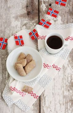 Norwegian Cinnamon Thumbs & HUGE News!