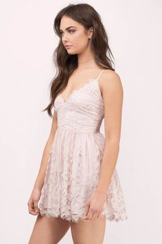 Shop Fit and Flare Skater Dresses at Tobi. Whether it's a white lace skater dress, black long sleeve or red skater dress - find it here. Hoco Dresses, Pretty Dresses, Homecoming Dresses, Casual Dresses, Fashion Dresses, Bridesmaid Dresses, Prom, Fashion Clothes, Sexy Dresses