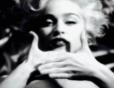 Madonna Vogue, Verona, Madonna Videos, Divas Pop, The Doobie Brothers, Lauren Bacall, 90s Nostalgia, Interesting Faces, Celebs