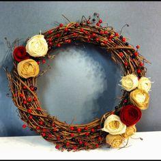 DIY fall wreath with burlap and felt rosettes