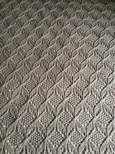 pamelatutu:    Pattern: Umaro by Jared Flood, knitted by dooleybug - I would make a wrap - blankets take too long