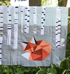 Sleepy Fox Quilt: Thoughts on the Client Relationship – Story Workshop - quilt patterns Quilt Baby, Fox Quilt, Quilting Projects, Sewing Projects, Sewing Tips, Sleepy, Quilt Modernen, Cute Quilts, Animal Quilts