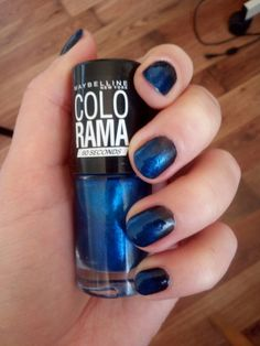 Ombre blue nail