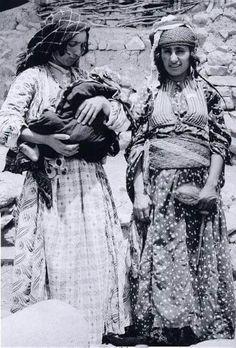 South of Kurdistan; Jewish kurdish women.  1934