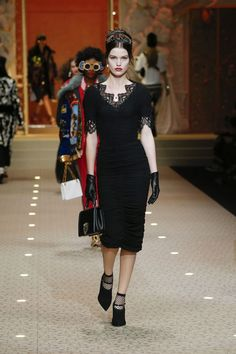 MFW: DolceandGabbana Fall Winter 2018.19 Womenswear Collection