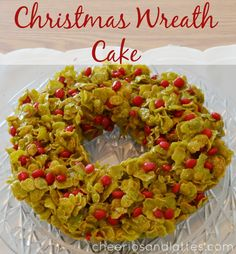 Christmas Wreath Cake; a giant Christmas Cookie wreath made out of corn flakes and marshmallows! A perfectly delicious Christmas centerpiece...