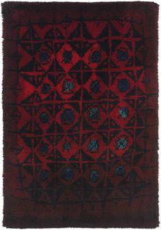 Wool 'Palokärki' (Black Woodpecker) Rug for Suomen Käsityön… Textile Patterns, Textile Prints, Textiles, Textile Art, Nordic Design, Scandinavian Design, Rya Rug, Modern Tapestries, Fabric Rug