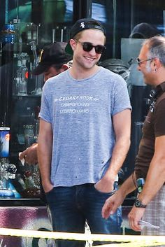 Robert Pattinson Life: New HQ Pictures and Video of Rob on the 'Maps To The Stars' Set - August 20