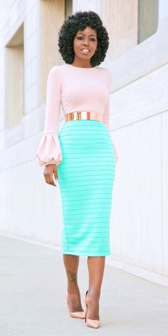 A belt is an accessory that improve any boring outfit, so you should have several various ones. Today we want to share with you some looks with popular metallic belts. Green Pencil Skirts, Pencil Skirt Outfits, High Waisted Pencil Skirt, Pencil Dresses, Classy Outfits, Chic Outfits, Fashion Outfits, Office Outfits, Work Fashion