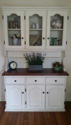 Refinished buffet finished in custom chalk paint and aviary mesh instead of glass in the doors. Furniture Update, Home Decor Furniture, Kitchen Furniture, Furniture Makeover, Dining Room Hutch, Kitchen Hutch, Farmhouse Kitchen Decor, Refinished Buffet, Distressed Wood Furniture
