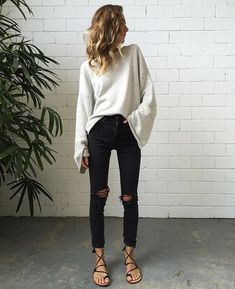 27 Stylish Outfit Trends To Rock This Winter – Fashion New Trends Sweater Outfits, Fall Outfits, Casual Outfits, Cute Outfits, Fashion Outfits, Womens Fashion, Fashion Trends, Style Fashion, Outfit Winter