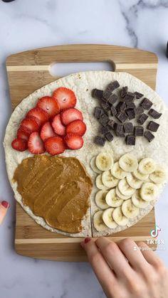 Fun Baking Recipes, Snack Recipes, Dessert Recipes, Snacks Ideas, Health Food Recipes, Easy Food Recipes, Tortilla Recipes, Diy Snacks, Tortilla Wraps