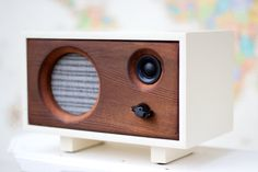 Wood Desk Speaker Reclaimed Wood Wireless van SalvageAudio op Etsy