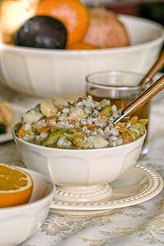 Кулеш-это гуще,чем суп,но жиже,чем каша.И ,естественно,вкусно.   Стакан любой крупы: перловая,гречневая, рисовая,пшенная.Можно даже микс сделать.…