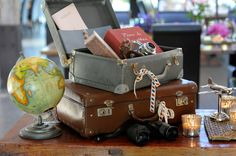 Sweet travel decorative touches