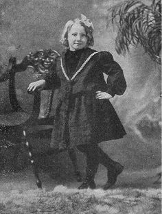 Amy Holst victim of a theater circus fire on December 30, 1903 with her mother and 2 fraternal twin sister and brother age 12-Gertrude and Allen.