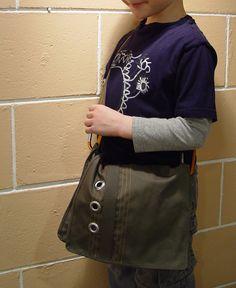 Connor's Messenger Bag – Punkin Patterns