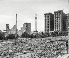 """""""Union Square with Naval Monument and St. Francis Hotel, San Francisco."""" Aftermath of the April 18, 1906, earthquake and fire. 8x10 inch dry plate glass negative, Detroit Publishing Company."""
