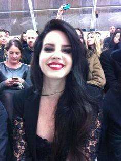 Not a big fan of Lana del Rey, but I love the look. Black hair, red lips, black shadow and lace, oh yes.