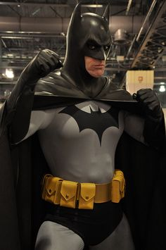 Batman cosplay at Wizard World Philadelphia .