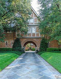 Tudor Mansion, Highland Park, Texas - pic 2 of 4