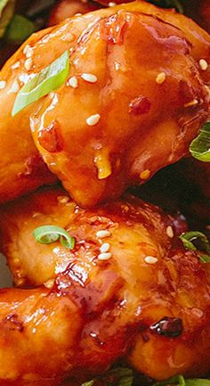 All the savory flavors of the beloved Chinese classic Orange Chicken perfected in crispy baked chicken wings! Baked Ziti With Chicken, Crispy Baked Chicken, Baked Chicken Wings, Grilled Chicken Recipes, Chicken Wing Sauces, Chicken Wing Recipes, Orange Recipes, Asian Recipes, Appetizer Recipes