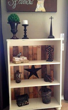 DIY Remodeled Pallet Bookshelves | 101 Pallets