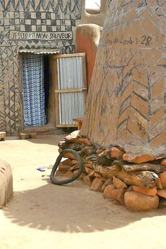 1000x1500xafricanvillage41.jpg.pagespeed.ic.nQx7BoouIs                                                                                                                                                                                 Mais
