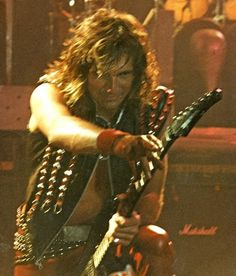 Glenn Tipton is such an underrated guitarist and a super hot dude to boot. Judas Priest, 80s Hair Metal, Rollin Stones, Famous Musicians, Hot Band, Rock Groups, Music Guitar, Music Lessons, Death Metal