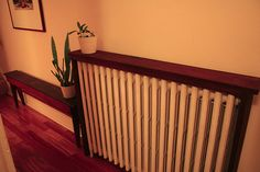 Radiator shelf with bench Diy Radiator Cover, Radiator Shelf, Radiator Ideas, Boston Living, Studio Living, Trendy Home, Stain Colors, Home Projects, Living Room Decor
