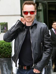 Star Tracks: Friday, August 8, 2014 | RED EYE | Michael Fassbender keeps his cool with a stylish pair of shades and a black leather jacket during a Thursday outing in New York City.