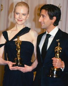 2002 - Nicole Kidman y Adrien Brody. Oscar Academy Awards, Academy Award Winners, Oscar Winners, Life Of Kylie, Oscars, Adrien Brody, Classic Movie Posters, Hooray For Hollywood, Actresses