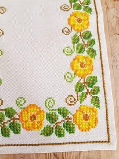 Beautiful x 12 / floral / cross stitch / embroidered tablerunner / tablecloth / in linen from Sweden Crochet Baby Socks, Crochet Baby Bonnet, Knitted Baby Blankets, Newborn Crochet, Cross Stitch Cards, Cross Stitch Flowers, Cross Stitching, Cross Stitch Patterns, Crochet Patterns