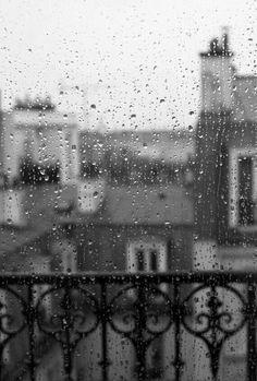 Paris Photography, Paris in the rain. I remember A rainy day in Paris Paris Rooftops, I Love Rain, My Little Paris, Paris Photography, Rainy Day Photography, Rainbow Photography, Urban Photography, Photography In The Rain, Color Photography