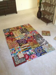 4x6 area rug using discontinued carpet samples - a little duct-tape will do ya :) #CheapCarpets Home Carpet, Diy Carpet, Rugs On Carpet, Carpet Ideas, Modern Carpet, Beige Carpet, Carpet Samples, Fabric Samples, Carpet Squares