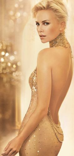 Holiday in Gold.J'adore, Parfums Christian Dior / A sophisticated scent and who better to advertise then Charlize Theron, class, talent and elegant beauty. Christian Dior, Lady Like, Beautiful People, Beautiful Women, Mode Glamour, Celebs, Celebrities, Mannequins, Beautiful Dresses