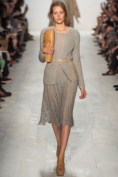 Fabulous grey crochet dress and jacket - New York fashion week Michael Kors spring 2014 Look Fashion, Runway Fashion, Spring Fashion, Fashion Show, Fashion Outfits, Fashion Tips, Review Fashion, Michael Kors 2014, Michael Kors Outlet