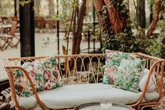 Un Cortana en Galicia © Susana Ríos Zara Kids, Wedding Details, Wedding Ideas, Toscana, Porch Swing, Outdoor Furniture, Outdoor Decor, Color Combinations, Throw Pillows