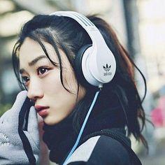 Japanese Eyes, Cute Japanese Girl, Japanese Beauty, Asian Beauty, Girl With Headphones, Pretty Asian Girl, Nagano, Japan Girl, Japanese Models