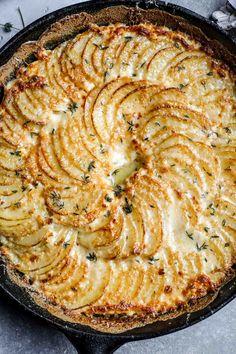 Crispy Parmesan and Gruyere Potato Gratin Flourishing Foodie Crispy Parmesan and Gruyere Potato Gratin Flourishing Foodie Side Dish Recipes, Vegetable Recipes, Vegetarian Recipes, Cooking Recipes, Recipes Dinner, Cooking Time, Dinner Ideas, Potato Side Dishes, Veggie Dishes
