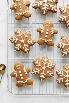 Our favorite Soft Gingerbread Cookies Recipe! Made with whole wheat flour oat flour and coconut oil these gingerbread cookies are lightened-up and delicious. Perfect for the holidays! Soft Gingerbread Cookie Recipe, Gingerbread Cake, Gingerbread Houses, Healthy Christmas Recipes, Holiday Recipes, Healthy Desserts, Holiday Cookies, Holiday Treats, Lemon Recipes
