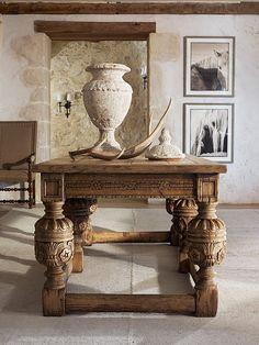 Hermosisima mesa en madera tallada!!