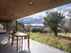 Villa Extramuros, a guest house located on the outskirts of the ancient town of Arraiolos, in Portugal - designed by Vora Arquitectura. Outdoor Rooms, Outdoor Gardens, Outdoor Living, Architecture Design, Contemporary Architecture, Contemporary Houses, Villa Design, House Design, Villas
