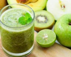 Green smoothie à moins de 200 calories pour petit-déjeuner tonique