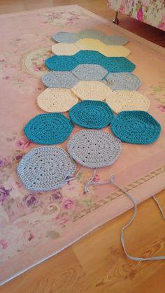 T Shirt Yarn, Kids Rugs, Knitting, Crocheting, Handmade, Diy, Bikinis, Home Decor, Crochet Decoration