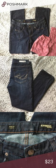 """Express jeans great condition size 4 Great condition jeans nice detail. Measurements: waist 15""""  inseam 28 1/2"""" out seam 36 1/4"""" Express Jeans Skinny"""