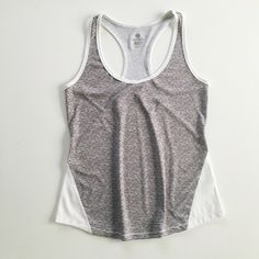 Old Navy Active top Old Navy Active top in semi-fitted silhouette. Worn once. Size M. Old Navy Tops