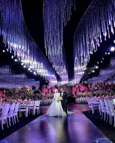 Opulence ahead 💫 Inside last week's modern fairytale wedding 💫 we just love how classic floral arrangements are blending perfectly with the modern lighting installations 😍 now who's inspired !?