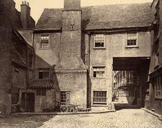Queen's Head Inn Yard.